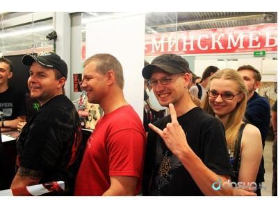 """2013-06-01 - Автограф-сессия группы """"Коррозия Металла"""" в Бастионе"""