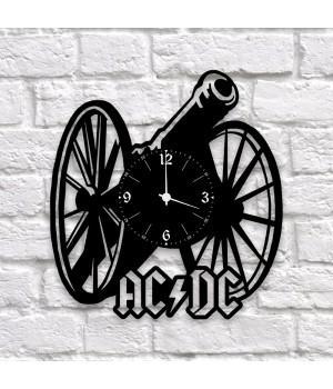 """Часы """"AC/DC"""" из виниловой пластинки"""
