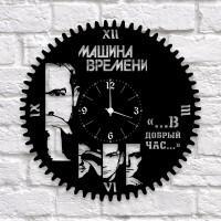 """Часы """"Машина времени"""" из виниловой пластинки"""