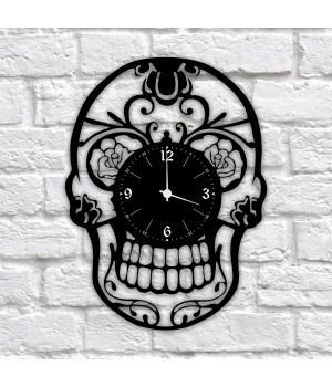 """Часы """"Череп"""" из виниловой пластинки"""