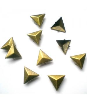 Заклепка треугольная бронзовая 15 мм
