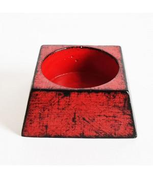 Подсвечник квадратный красный