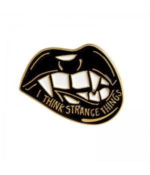 "Значок-пин ""I Think Strange Things"""